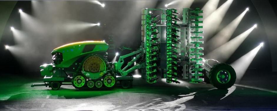John_Deere_driverless_tractor_concept