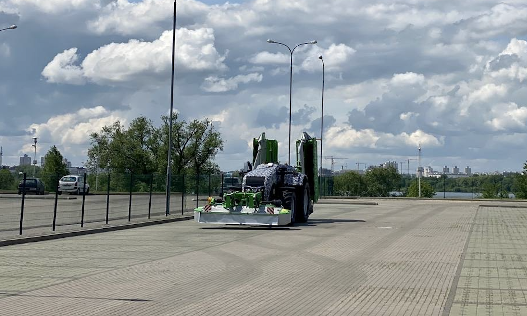 belarus autonomous tractor